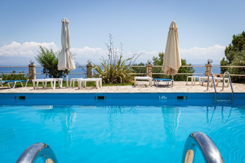 Holidays at Annas Apartments in Tsaki, Benitses