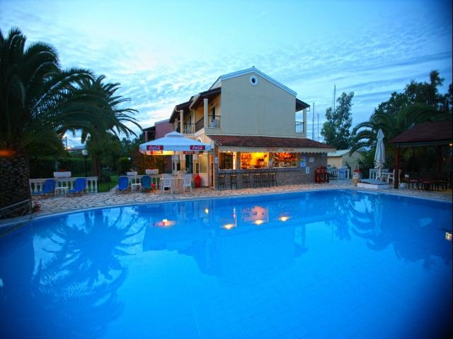 Holidays at Zefiros Apartments in Gouvia, Corfu