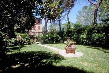 Holidays at Moderno Hotel in Siena, Tuscany