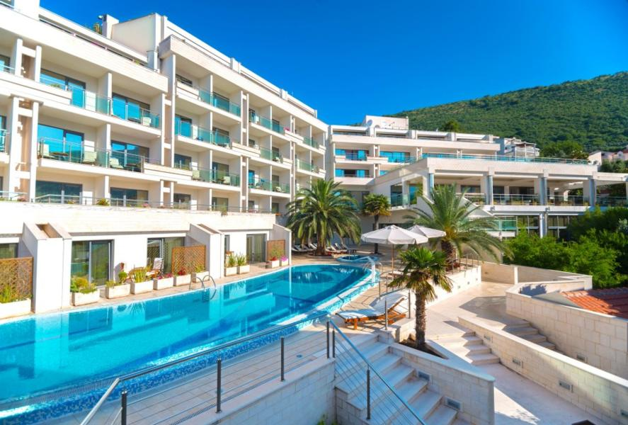 Holidays at Monte Casa Spa and Wellness in Petrovac, Montenegro