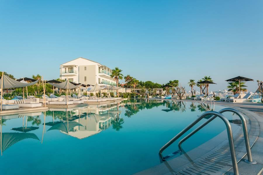 Holidays at Blue Carpet Luxury Suites in Kassandra, Halkidiki