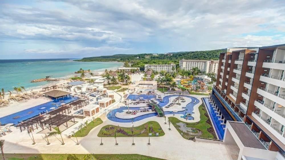 Holidays at Royalton Blue Waters in Trelawny Bay, Jamaica