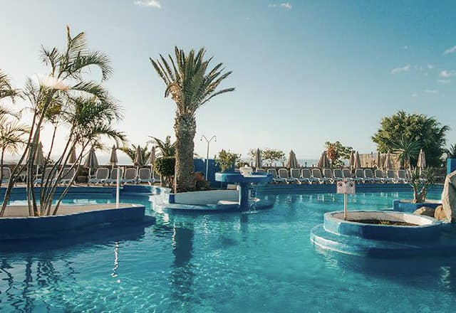 Very Cheap Holidays with sunshine co uk now : Including Late